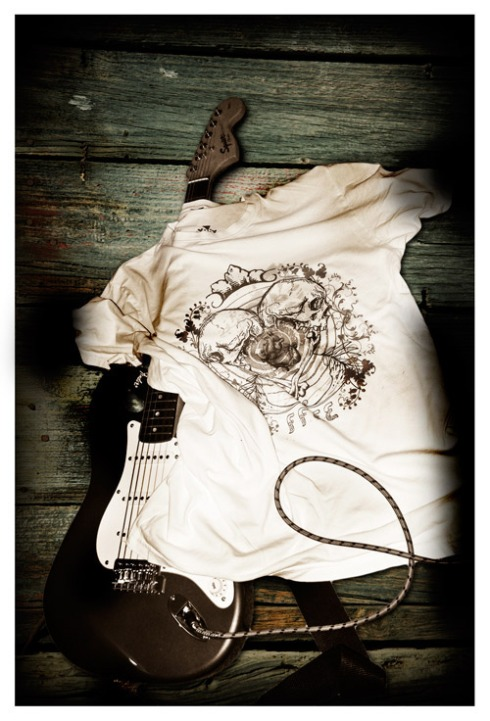 Heart and Skull shirt guitar picture